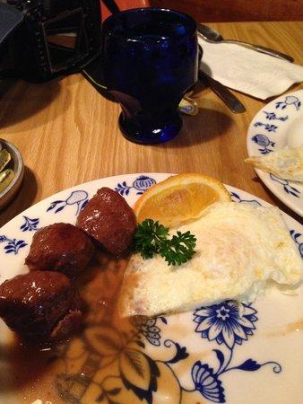 Al Johnson's Swedish Restaurant & Butik : Meatballs for the husband. Not my thing.