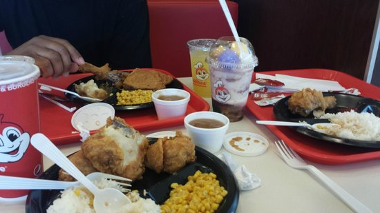 Jollibee En Joy Meals And Halo