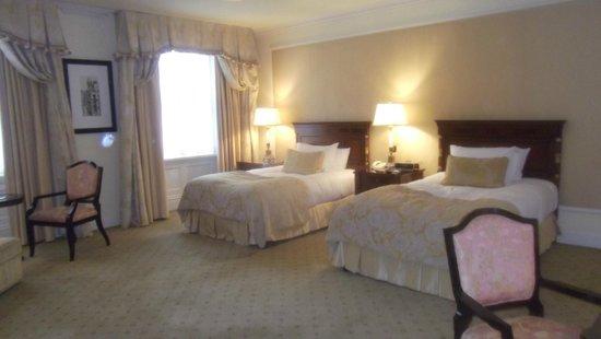 The Shelbourne Dublin, A Renaissance Hotel: Room 435