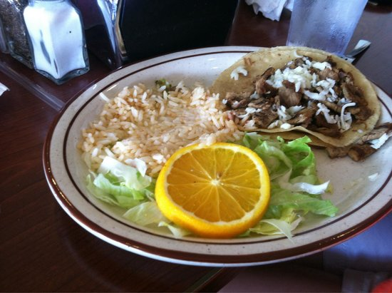 Guadalajara Grill : Beef taco. The beef is not ground; it is beef cut into chunks