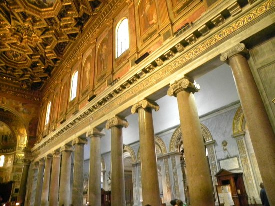 Santa Maria in Trastevere: beautiful columns and windows