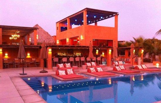 Rancho Pescadero: bar at sunset