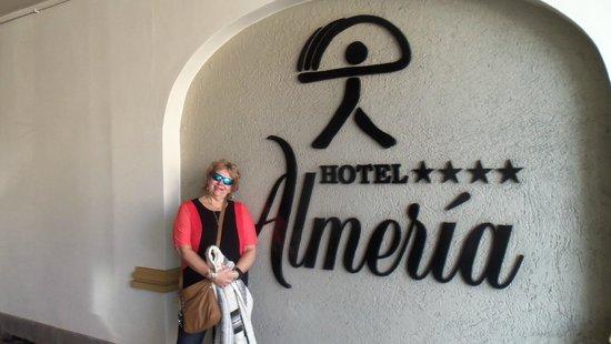 Hotel Almeria: Enrada del hotel