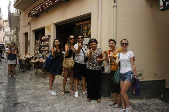 Sicily Travelnet Private Tours: mamma mia