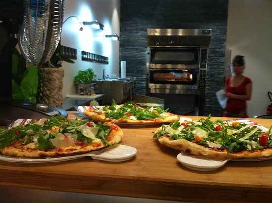DONLEO1973: Enfin ma pizza arrive!!!!