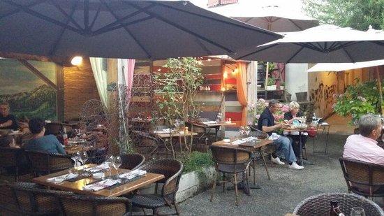 Le Carnotzet : La terrasse...