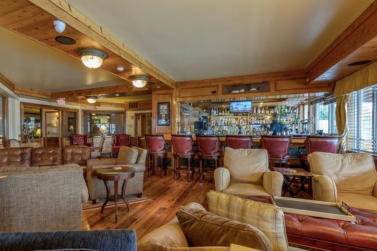 Harbourside Grill: Club Room