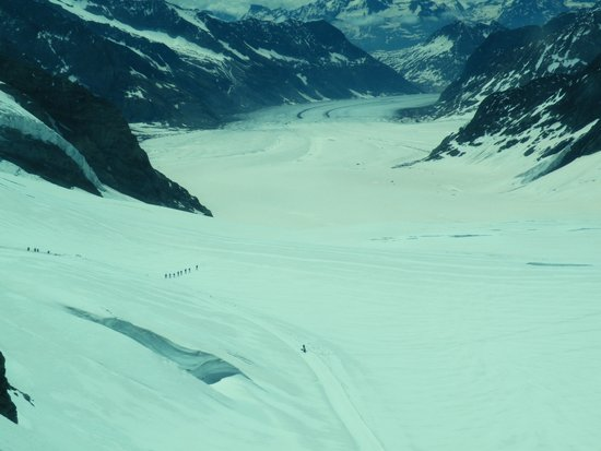 Jungfrau: Looking down the Glacier