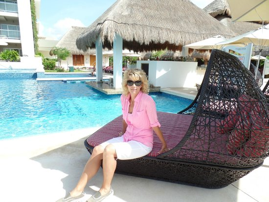 Paradisus Playa del Carmen La Perla: Royal Service area pool and swim up bar