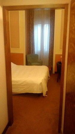Hotel Bristol Palace : La chambre