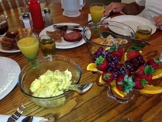 Blue Heron chateau: Homemade breakfast for 2!