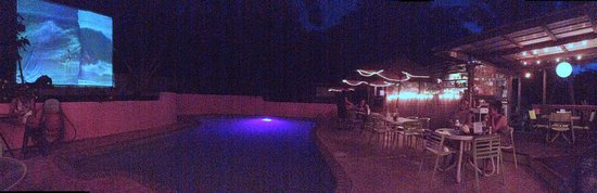 The Pool Bar: Pool bar sushi
