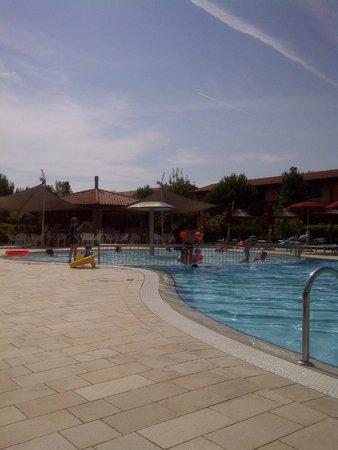 Green Village Resort: piscina
