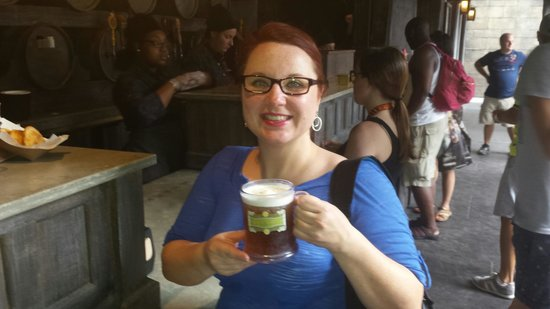 Maingate Lakeside Resort: I love butterbeer! I'll submit a review for Universal Studios on 7/16.