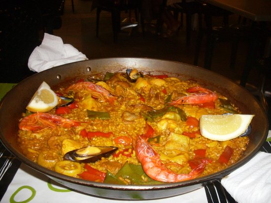 La Guitarra: Mixed Paella for 2 which was lovely