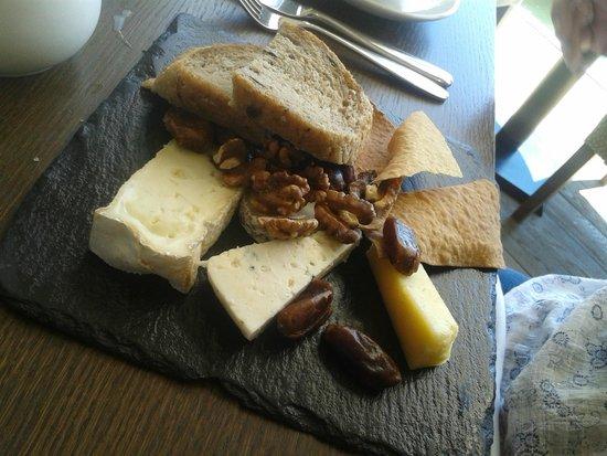 Boulters Riverside Brasserie & Terrace Bar: Cheese