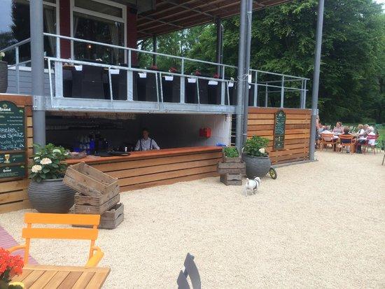 Hotel Vue: Bar outside