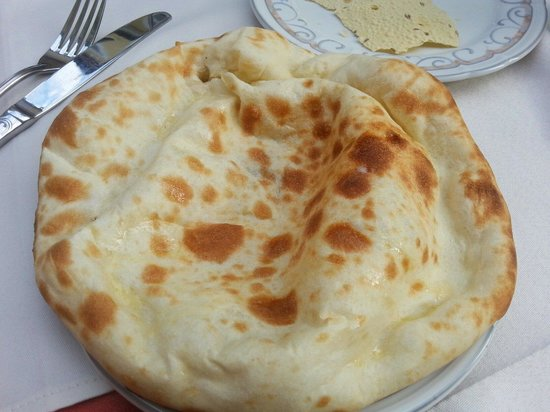 Gul: Pane arabo caldo al formaggio