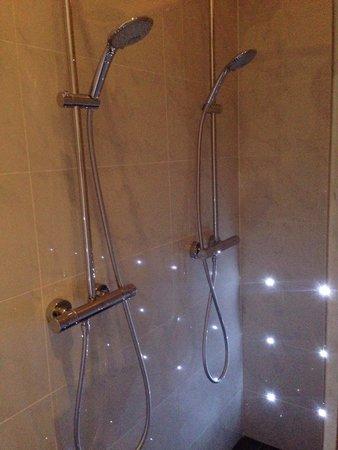 Hotel Toon : Amazing shower :-)