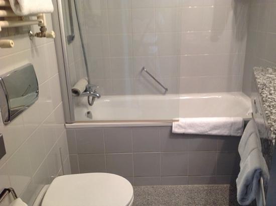 K+K Hotel George: Il bagno
