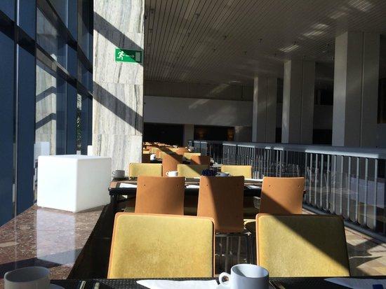 Novotel Poznan Centrum: salle à manger et petit déjeuner