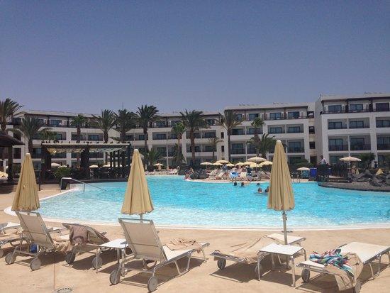 Hesperia Lanzarote : Pool area