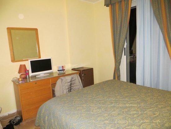 Hotel Columbus: Zimmer