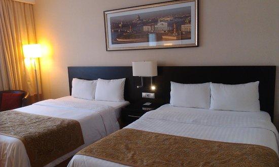 Courtyard St. Petersburg Center West/Pushkin Hotel: Широкие кровати