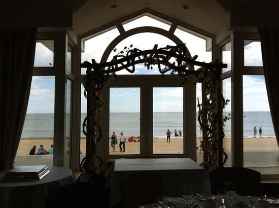 Sandbanks Hotel: View from the Compass Room to the beach and sea