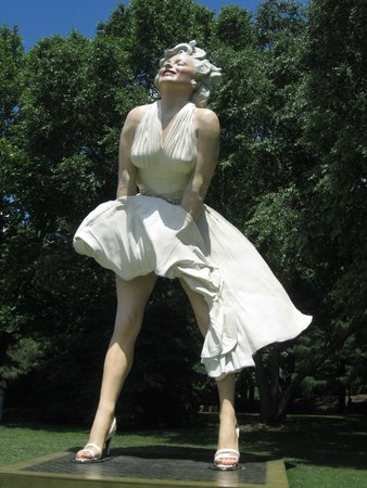 Grounds For Sculpture: Marilyn exhibit for a limited time
