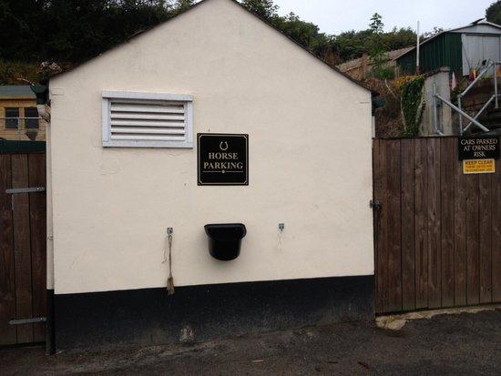 Polgooth Inn: Horse parking at the Polgooth