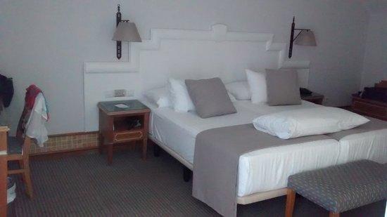 Melia Atlantico Isla Canela: dormitorio