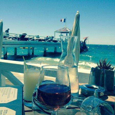 Garden Beach Hotel: Vue du restaurant de la plage privée