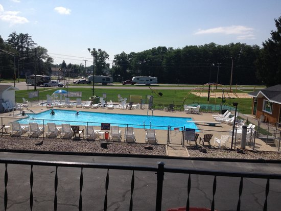 All Star Inn & Suites: From our room