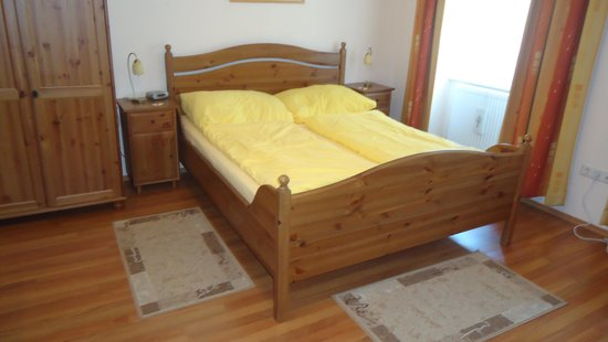 Pension VITIS: The double bed