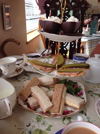 Madhatter Tearoom: afternoon Tea