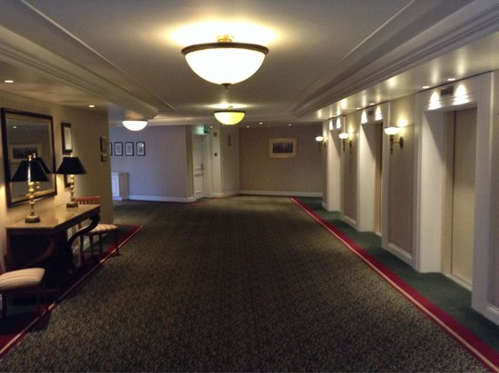Lisbon Marriott Hotel: Лифты