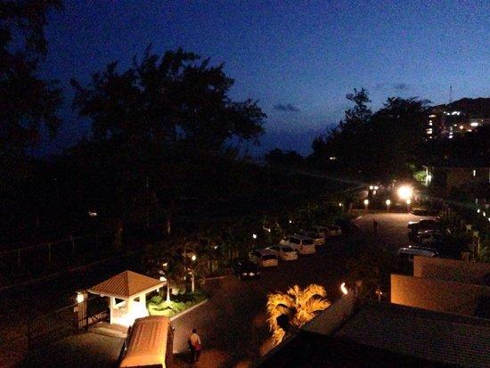 Ela Beach Hotel: Вид с балкона