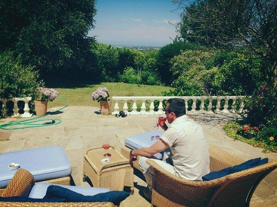 La Roche : Wine in the garden