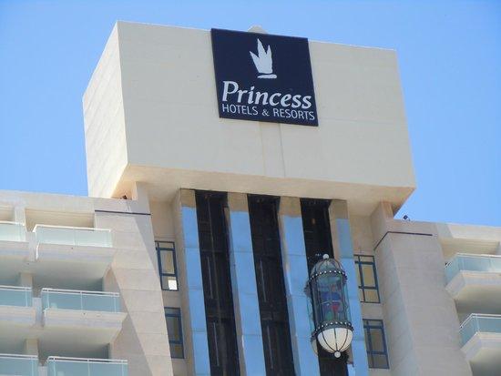Taurito Princess: Fachada y ascensores panorámicos