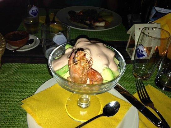 Pelican Kipos: Gamberoni con avocado