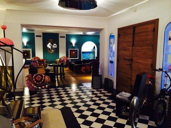 Chambres & Suites Arguibel : entrée salon