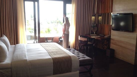 The Seminyak Beach Resort & Spa: very comfortable beds and a gorgeous view to the ocean