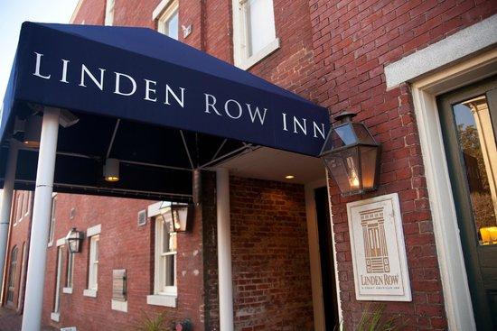 Linden Row Inn: Hotel Awning