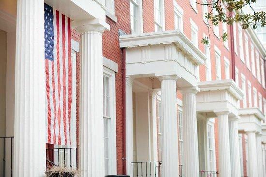 Linden Row Inn Exterior