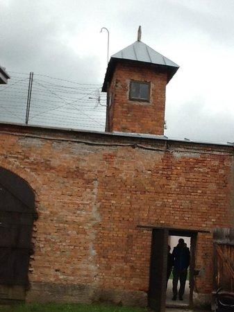 Ninth Fort: Старое здание музея, расположенное в реальной тюрьме
