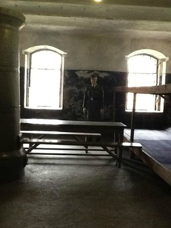 Neuvième fort : Одна из камер, где содержались заключенные