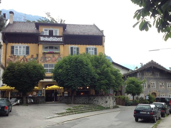 Braustuberl: The view of the restaurant from the street