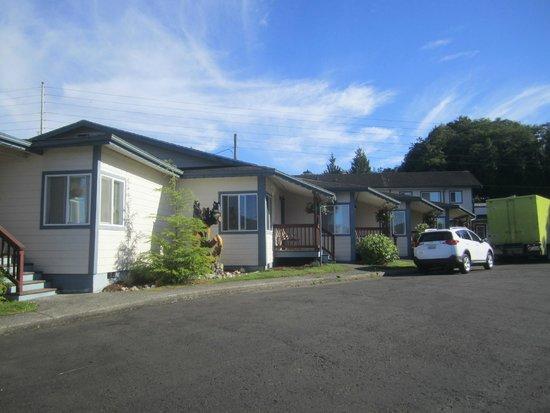 Seaquest Motel: exterior