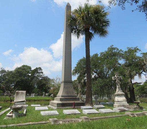 Magnolia Cemetery : Rhett Family Obelisk